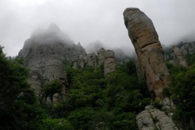 Вгорах Крыма cотрудники экстренных служб всю ночь искали заблудившихся туристов