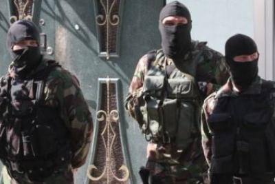 ВКрыму русские силовики провели обыск вдоме крымского татарина