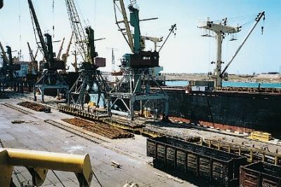 Осенью неменее 20 судов нелегально зашли в захваченный Крым