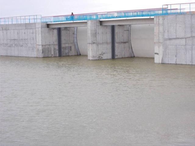 ВХерсонской области построили дамбу, перекрывающую воду оккупированному полуострову— Ворота вКрым